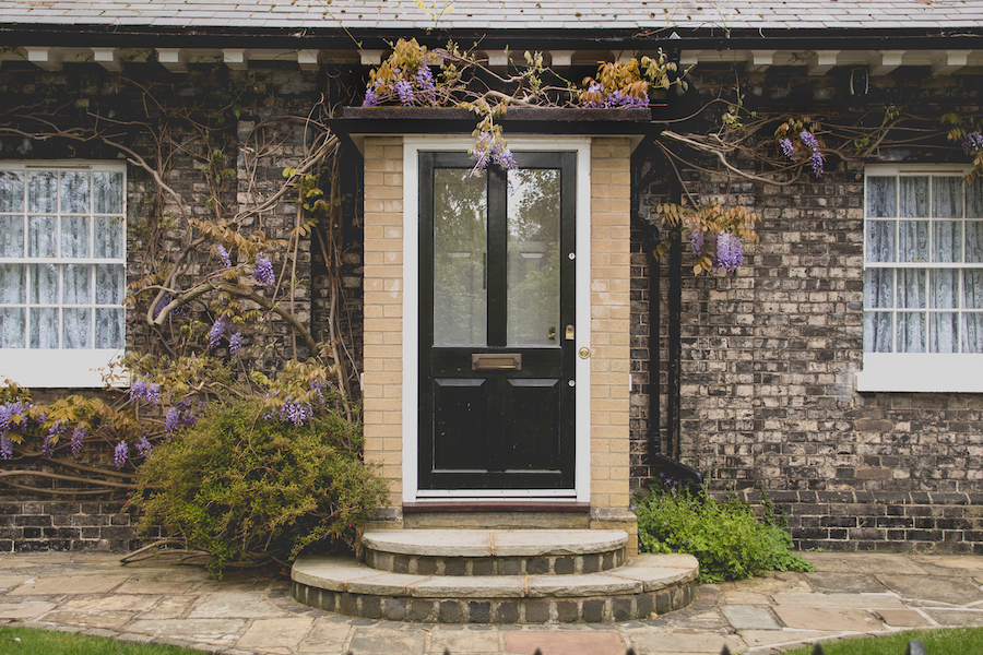 Affordable Curb Appeal for a Quick Summer Sale